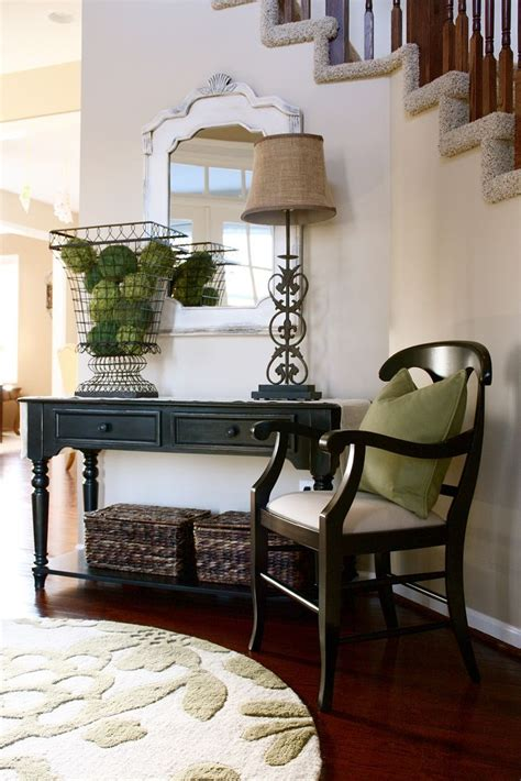 1000+ Images About Foyer Decor On Pinterest  Fall Flowers