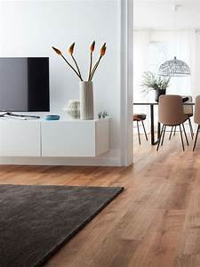 Fliesen Wohnzimmer Ideen : die besten 25 teppich wohnzimmer ideen auf pinterest couch grau wohnzimmer wohnzimmer sofas ~ Orissabook.com Haus und Dekorationen