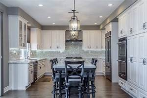 Tips, And, Tricks, For, A, Light, And, Dark, Themed, Kitchen