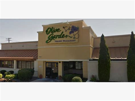 okay olive garden massapequa olive garden closing for tonight