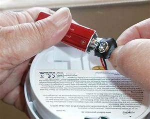 Rauchmelder Batterie Wechseln : rauchmelder piept ohne grund ursachen ~ A.2002-acura-tl-radio.info Haus und Dekorationen