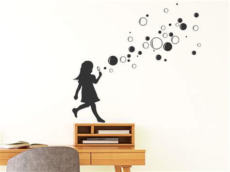 Wandtattoo Mädchen Mit Seifenblasen Wandtattoosde