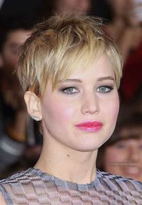 Jennifer Lawrence - Short pixiecut with angled bangs