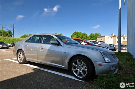 2015 Cadillac Sts V