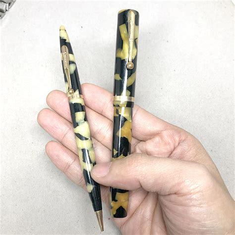 ชุดปากกา และดินสอ SHEAFFER\'S Sheaffer 1950 ลายหินอ่อน ตัวด้ามและชุดเหน็บเคลือบทอง เซ็ทคู่สภาพสวยพร
