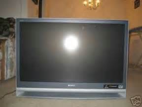 see an ad sells 10 flats screens tvs sony kdf e42a10