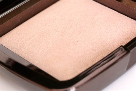 luminous light the ambient lighting powders by hourglass makeup and Hourglass