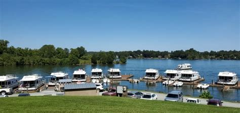 Find lake homes for sale on smith mountain lake, in va. Parrot Cove Offers Houseboat Rentals On Smith Mountain Lake