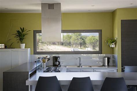 fenetre cuisine vente de fenêtre à soufflet vitrage en aluminium sur mesure à toulouse fenêtre toulouse