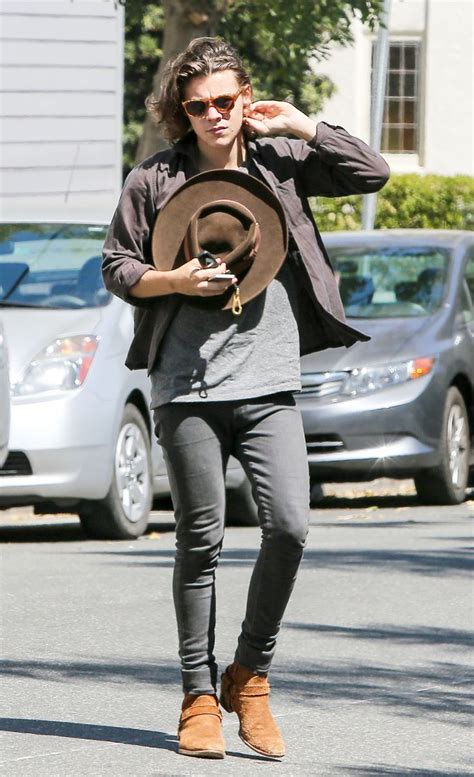 186 best Harry Styles Outfits images on Pinterest | Harry edward styles Harry styles style and ...
