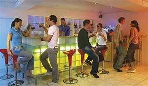 Eine Bar Bauen : die eigene bar selber bauen mit einem tresen aus ~ Lizthompson.info Haus und Dekorationen