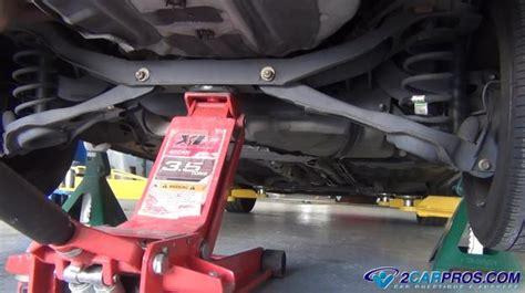 behovet av att lyfta din bil jack aer det upp saekerheten