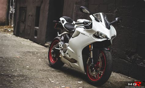 Ducati 899 Panigale by Review 2014 Ducati 899 Panigale M G Reviews