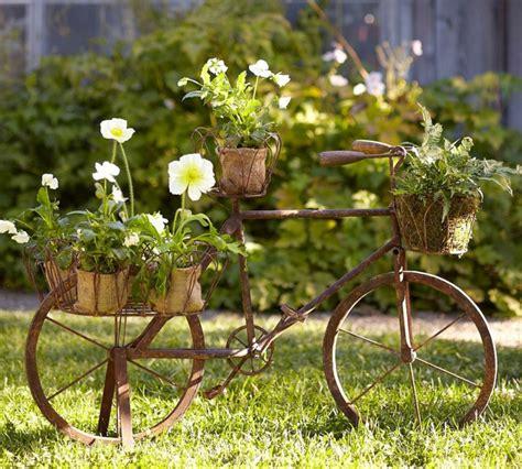 Vintage Deko Lässt Den Garten Charmanter Und Weiblicher