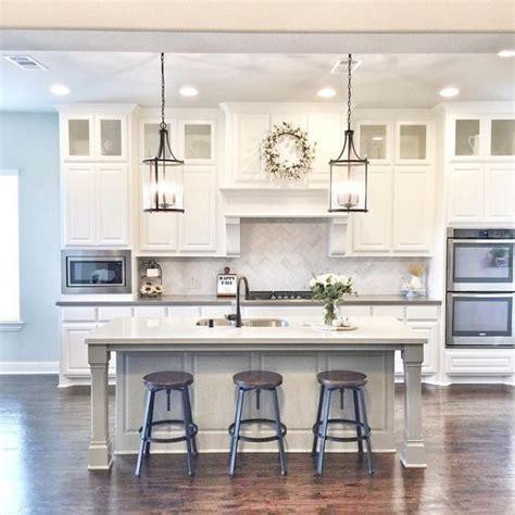 chandeliers for kitchen islands 25 best ideas about kitchen island lighting on island lighting transitional