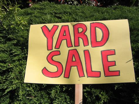 Garage Sales by What You Need To When Holding Yard Sales Zen Of Zada
