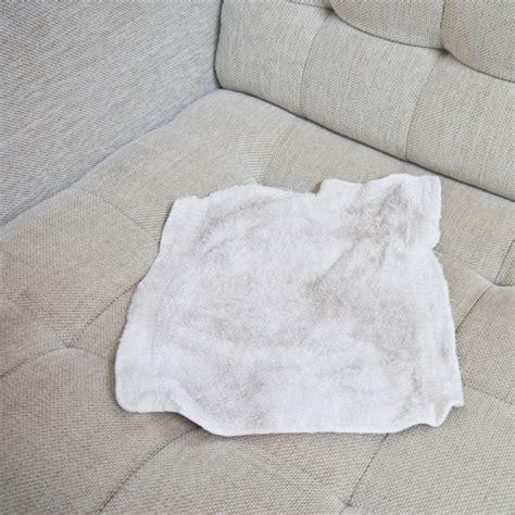 nettoyer un canapé en tissu conseils comment nettoyer un canapé en tissu et enlever