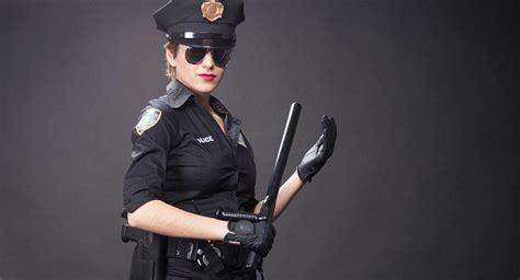 Female Ex-Prison Guard Caught in 'Intimate' Relationship ...