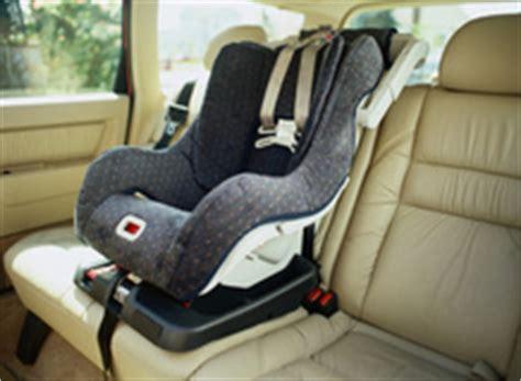 installer un siege auto siege auto pivotant infos et prix d un siège auto pivotant