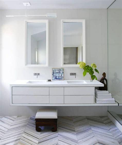 die praktische einrichtung fuers kleine badezimmer