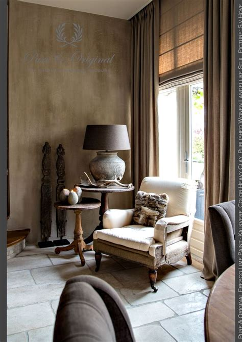 salon living room corner fresco lime paint
