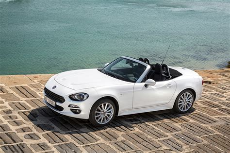 fiat spider white pictures 2016 fiat 124 spider worldwide cabriolet white