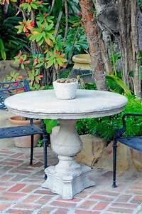 Petite Table De Jardin : tables de jardin en marbre et pierre durables et esth tiques ~ Dailycaller-alerts.com Idées de Décoration