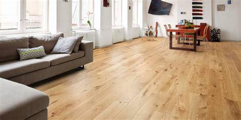 Holzboden Küche Erfahrungen by Ratgeber Holzfu 223 Boden Pflege Und Reparatur
