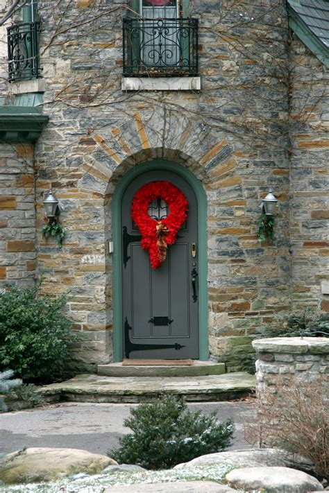 Curb Appeal Doesn't Stop For The Holidays  Sandi Downing