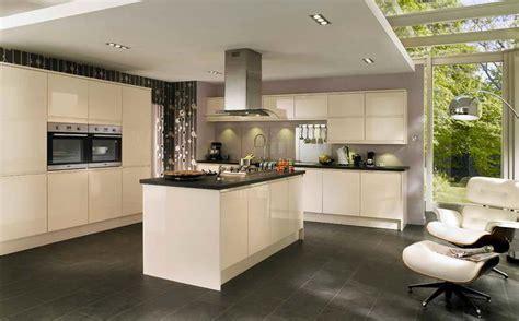 couleur mur cuisine blanche cuisine noir et argent
