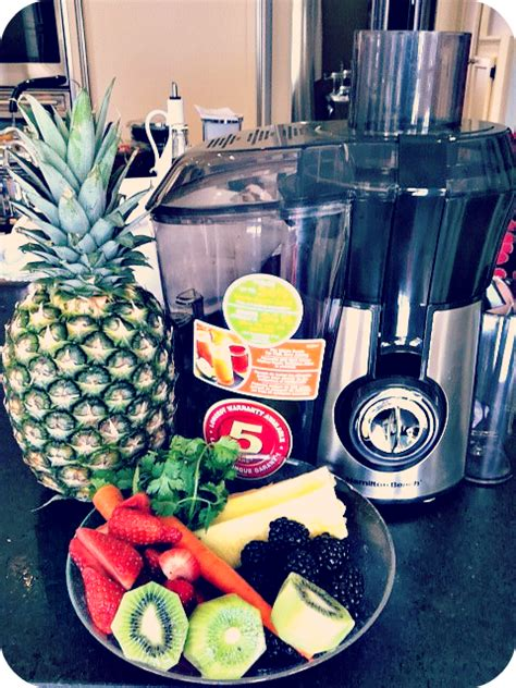 juice recipes blackberry blackberries juicing cilantro carrots cantaloupe juicer strawberries health living cleanse juicers strawberry melon