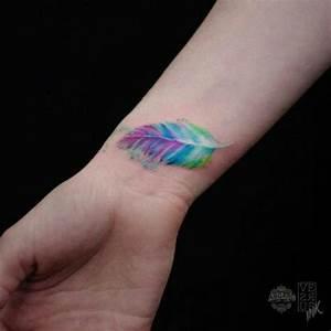 Tatouage Plume Poignet : 10 id es sublimes de tatouage plume ~ Melissatoandfro.com Idées de Décoration