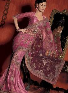 Regal Gold Jewelry  Collection Of Saree With Tips Of