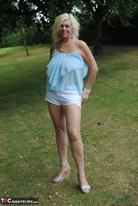 Non Nude Granny Hot Granny Pics