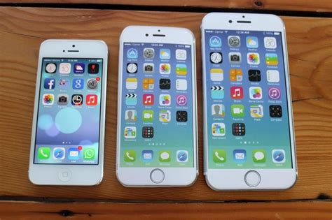iphone 6 size comparison how big is the iphone 6 plus these photos give a 15083
