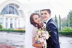 Kränzen Hochzeit Ideen : zur hochzeit regen so freut ihr euch trotzdem ~ Markanthonyermac.com Haus und Dekorationen
