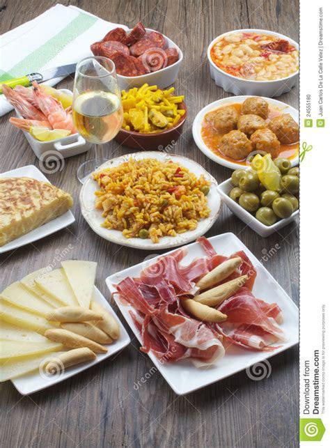 cuisine espagnole tapas tapas espagnols traditionnels photo stock image 24555180