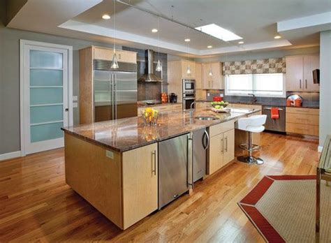 what color goes with wood cabinet with the gray tones in