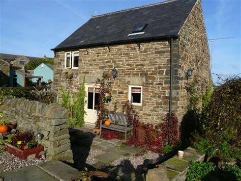 cottage rentals uk cottages to hire in the peak district derbyshire uk