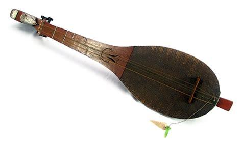 Salah satu musik daerah yang diajarkan olehnya adalah musik gamelan, seperti yang ia pelajari di belanda. 40+ Gambar & Jenis Alat Musik Tradisional Serta Daerah ...