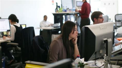 travail dans un bureau aménagement des bureaux en open space l 39 express l 39 entreprise