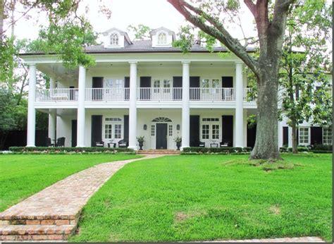 plantation style home plantation style