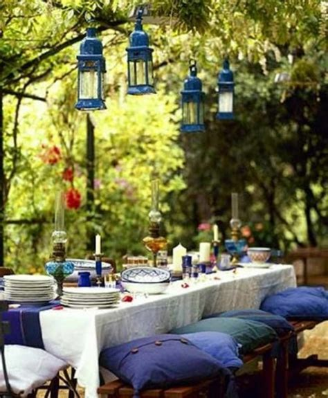 you eat outdoor dining furniture in harmony with nature