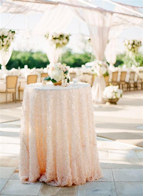 23 ways to add sparkling glitter sequins to wedding décor
