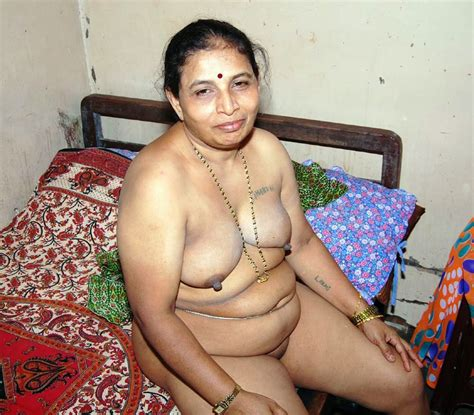 Gujarati Desi aunty Big Milf Boobs Hot Sexy Pictures
