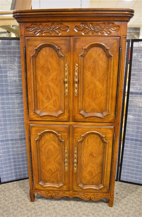 Country Style Armoires Vintage Drexel Country Style Armoire W Fitted