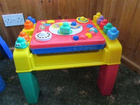 fisher price activity table fisher price bee bop buildin 39 spinning activity table