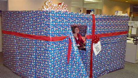 gifts for desk at work 50 amazingly epic pranks