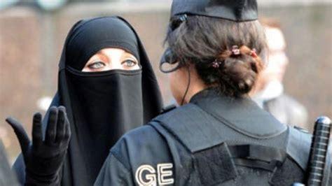 discrimination  muslims spikes  france england