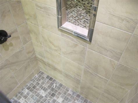 Breckenridge Vinyl Planking and Tile Bathroom